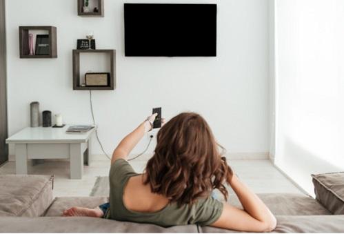 התקנת טלויזיה על קיר גבס